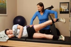 Помощь в при болях в колене