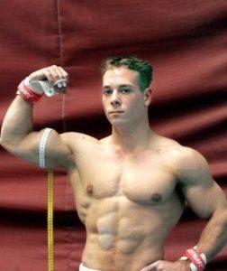 Виды упражнений в спортивной гимнастике у мужчин thumbnail