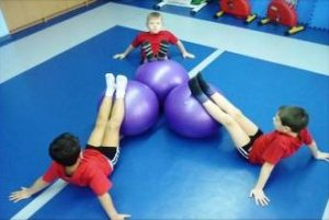 Занятия на физкультуре