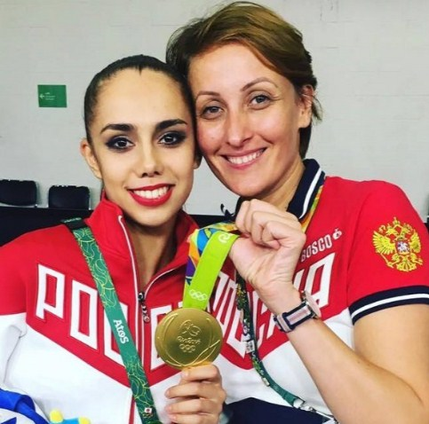 С чемпионкой