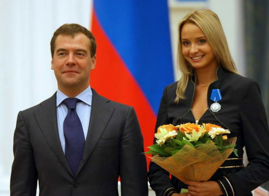 С Медведевым
