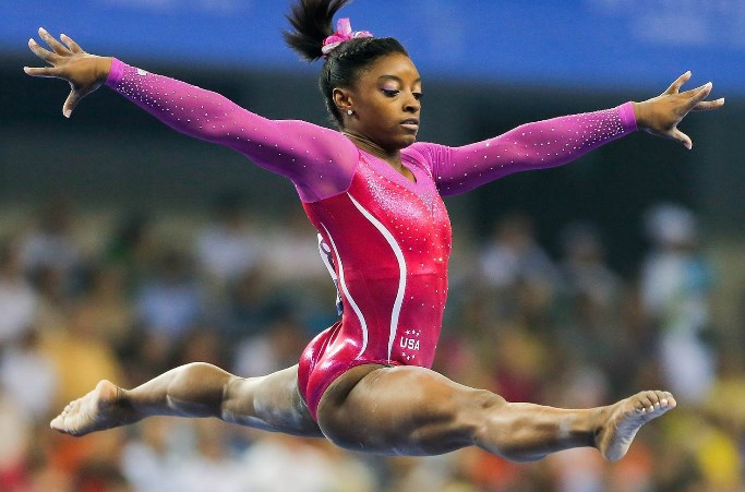 гимнастка байлз фото